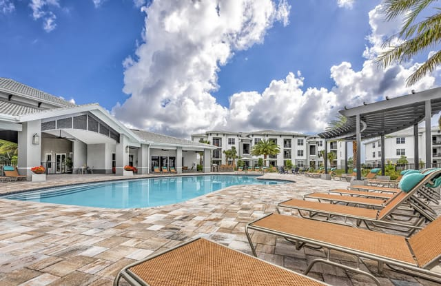 Coralina Apartments - 3305 Grant Cove Cir, Cape Coral, FL 33909