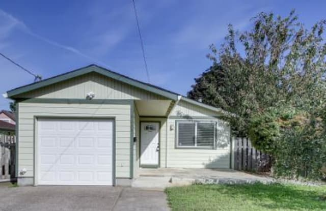 9635 Southeast Ellis Street - 9635 Southeast Ellis Street, Portland, OR 97266