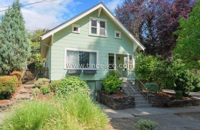 2035 Southeast Marion Street - 2035 Southeast Marion Street, Portland, OR 97202