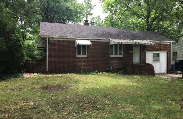 459 Fieldcrest - 459 Fieldcrest Drive, Pittsburg, KS 66762