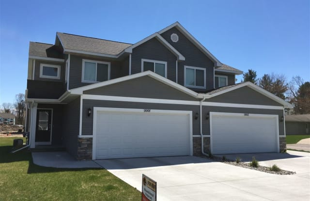 408 N Saginaw Rd - 408 N Saginaw Rd, Midland, MI 48640