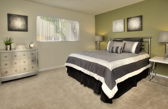 Creekside Gardens - 300 Bel Air Dr, Vacaville, CA 95687