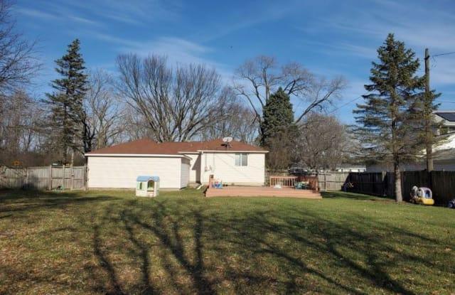 15275 Walnut dr - 15275 Walnut Drive, Lake County, IL 60015