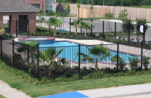 Freeport Oaks - 1702 Skinner St, Freeport, TX 77541