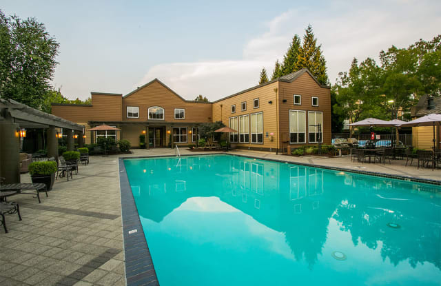The Colonnade - 20311 NW Colonnade Dr, Hillsboro, OR 97124