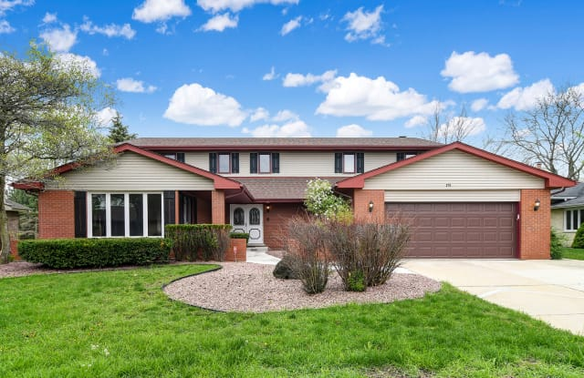215 RODGERS Court - 215 Rodgers Dr, Willowbrook, IL 60527