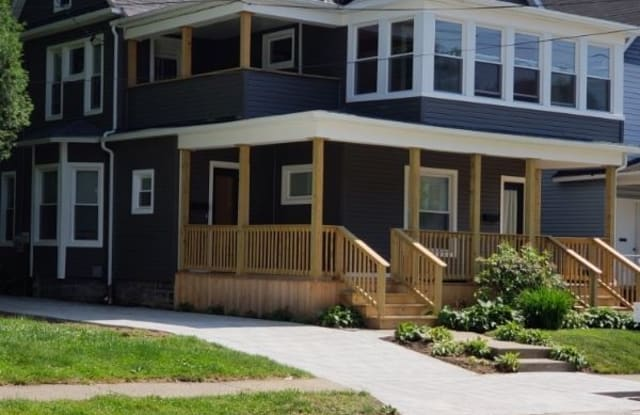 1105 W 8th St - 1105 West 8th Street, Erie, PA 16502