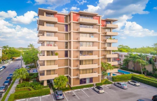 Mayan Tower & Villas - 5880 SW 74th Ter, Miami, FL 33143