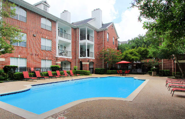 Tuscany Oaks Apartments - 2525 Augusta Dr, Houston, TX 77057