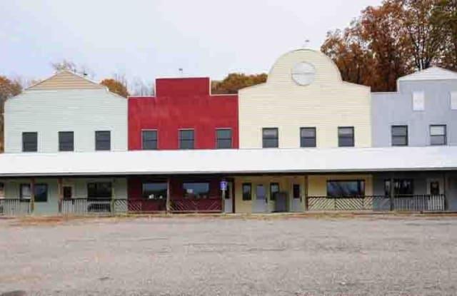 1140 Wayne Ave - 1140 Wayne Avenue, Zanesville, OH 43701