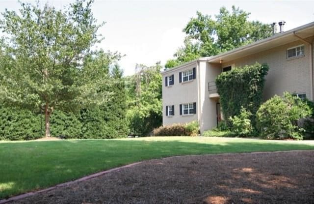 Woods Crossing At Buckhead - 311 Peachtree Hills Avenue Northeast, Atlanta, GA 30305