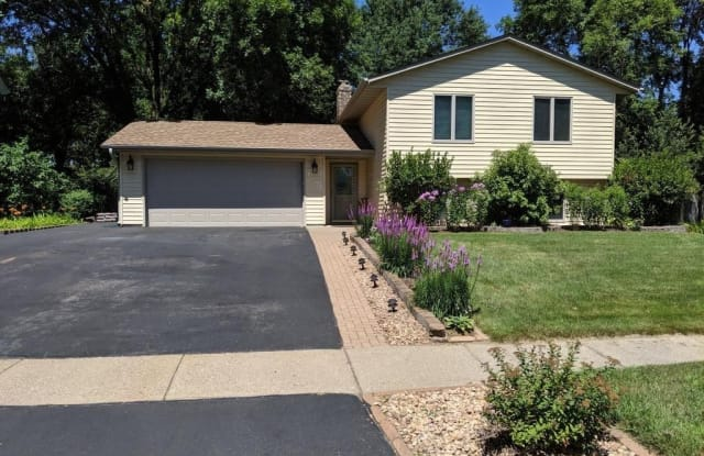 5273 142nd Path W - 5273 142nd Path West, Apple Valley, MN 55124