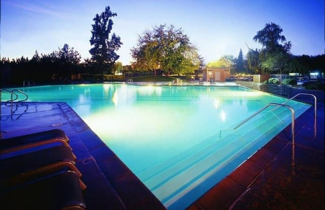 The Eleven Hundred Apartments - 1100 Howe Ave, Sacramento, CA 95825