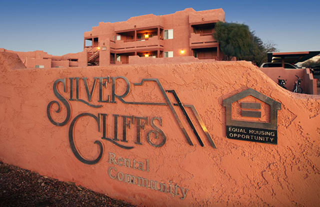 Silver Cliffs Apartments - 1570 Paseo Grande, Bullhead City, AZ 86442
