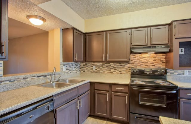 Highlands Creek - 8300 Skillman St, Dallas, TX 75231