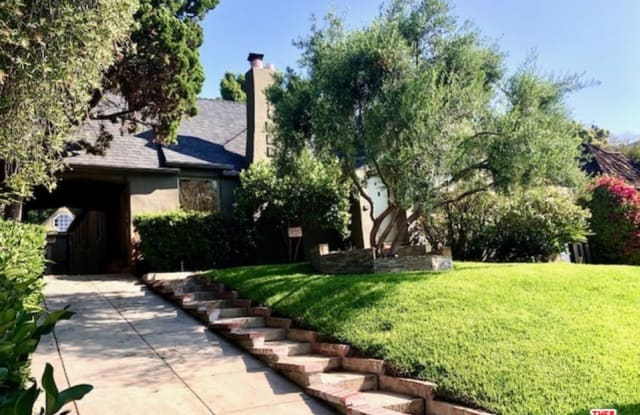 8557 W West Knoll Dr - 8557 West Knoll Drive, West Hollywood, CA 90069