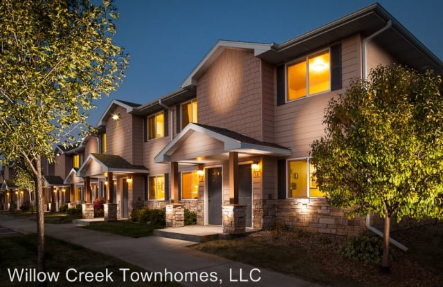 Willow Creek Townhomes - 928 Willow Meadows Place, Sioux Falls, SD 57106