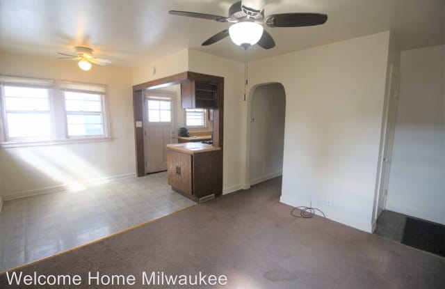 3136 S Brisbane Ave - 3136 South Brisbane Avenue, Milwaukee, WI 53207