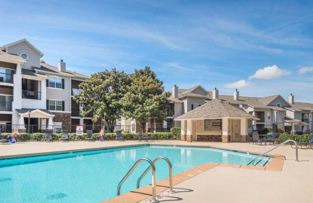 Parkside at South Tryon - 605 Candler Ln, Charlotte, NC 28217