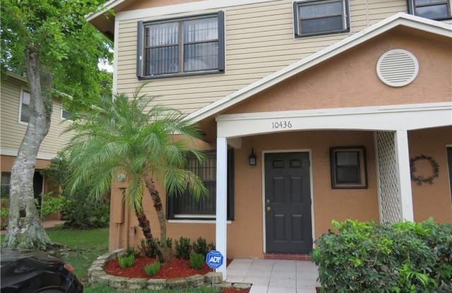10436 NW 6th St - 10436 NW 6th St, Pembroke Pines, FL 33026
