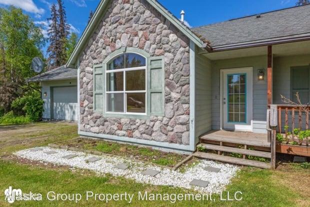 5511 W Montclaire Ave - 5511 W Montclaire Ave, Knik-Fairview, AK 99623