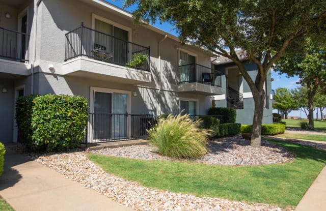 Cleburne Terrace - 1661 Woodard Ave, Cleburne, TX 76033
