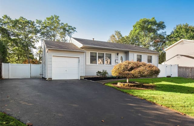 22 Grand Haven Dr - 22 Grand Haven Drive, Commack, NY 11725