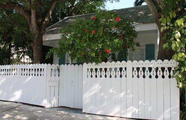 Perfect Pineapple - 903 Southard Street, Key West, FL 33040