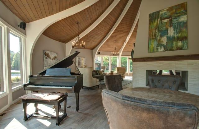 Villa Medici - 9550 Ash Street, Overland Park, KS 66207