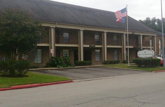 Southern Oaks - 6353 Skyline Dr, Houston, TX 77057