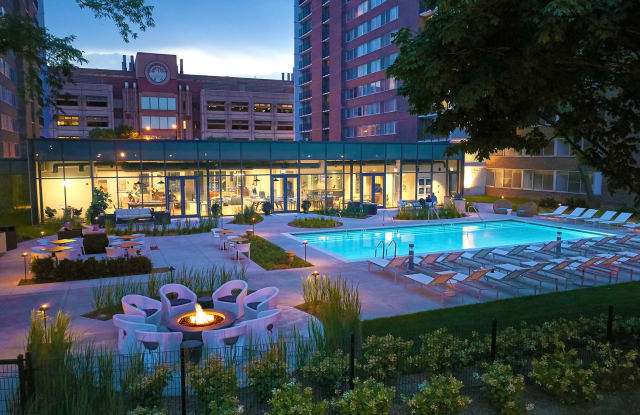 Medical District Apartments - 901 S Ashland Ave, Chicago, IL 60607