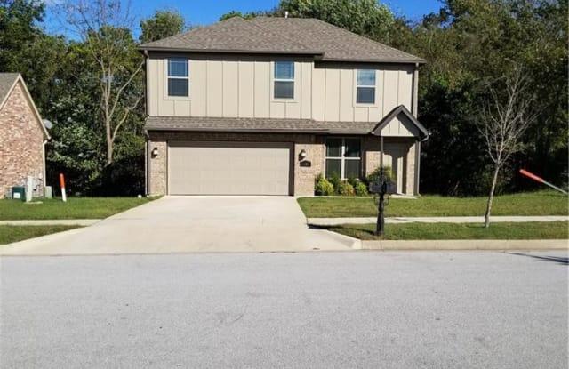 1488 S Highbush AVE - 1488 South Highbush Avenue, Fayetteville, AR 72701