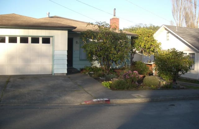 796 17th Street - 796 17th Street, Arcata, CA 95521