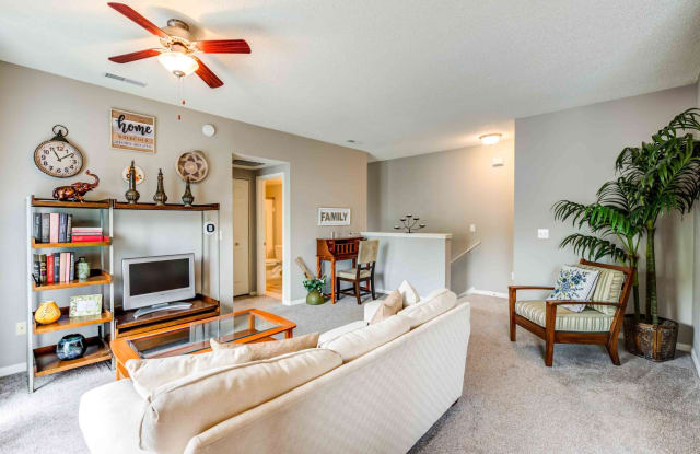 Grande Reserve at Geist - 11345 Arborview Dr, Indianapolis, IN 46236