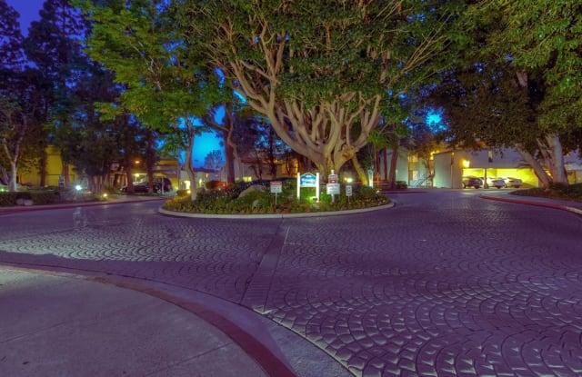 Lake Dianne - 750 Parkcenter Dr, Santa Ana, CA 92705