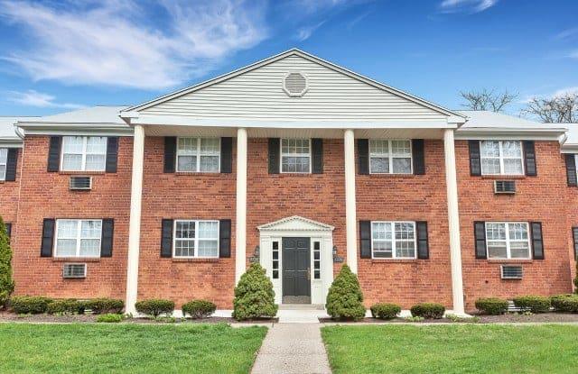 Valley Park Apartments - 2252A Catasauqua Rd, Bethlehem, PA 18018
