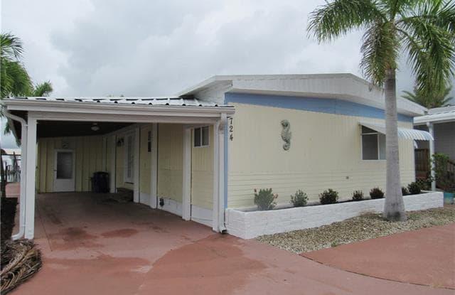 3724 Dewberry LN - 3724 Dewberry Lane, St. James City, FL 33956