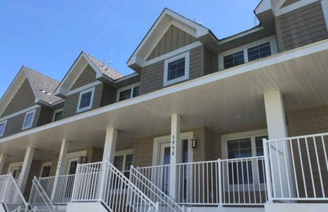 Clover Run Townhomes - 2958 Clover Ridge Drive, Chaska, MN 55318