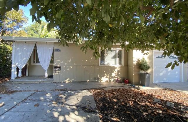 2136 Pulgas Avenue - 2136 Pulgas Avenue, East Palo Alto, CA 94303