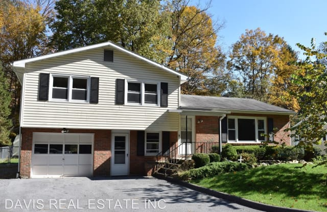 21 Hickory Drive - 21 Hickory Drive, Dunnstown, PA 17745