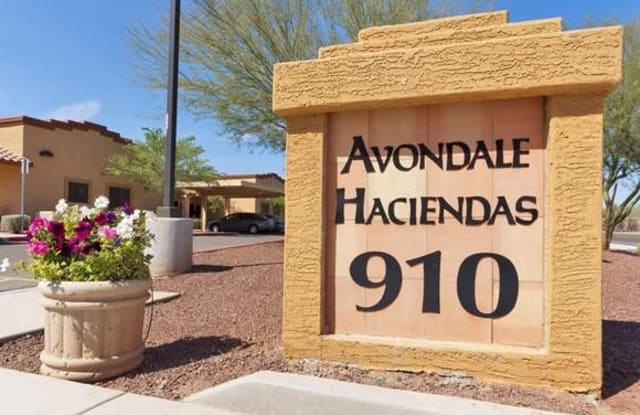 Income Restricted - Avondale Haciendas - 910 S Dysart Rd, Avondale, AZ 85323