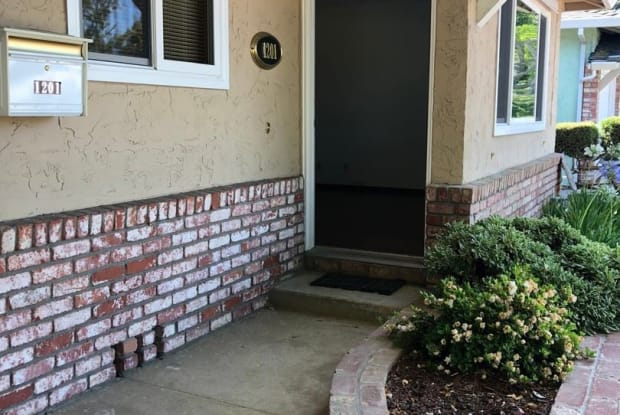 1201 Phyllis Ave - 1201 Phyllis Avenue, Mountain View, CA 94040