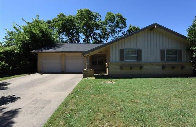 2221 Woodoak Drive - 2221 Woodoak Drive, Irving, TX 75060
