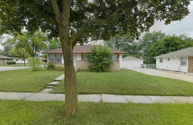 7928 W Clovernook St - 7928 West Clovernook Street, Milwaukee, WI 53223