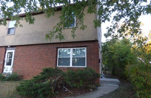 136 N Everett Ave Columbus Oh 43213-1013 - 136 Everett Avenue, Columbus, OH 43213