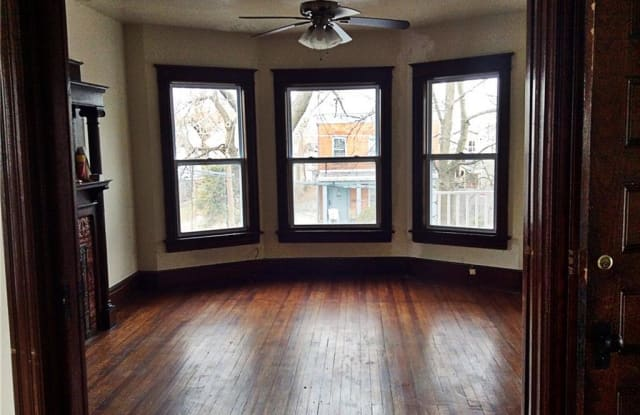 11 Jewett Avenue - 11 Jewett Avenue, Poughkeepsie, NY 12601