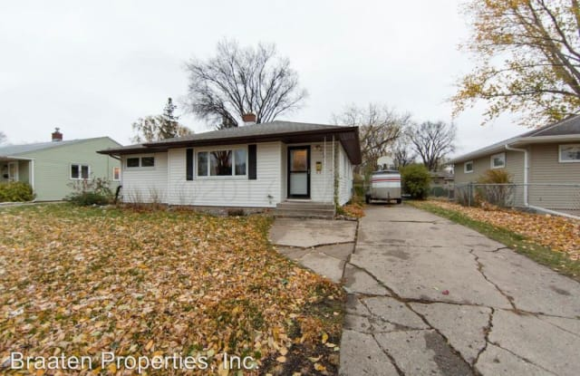 218 22nd Ave North - 218 22nd Avenue North, Fargo, ND 58102