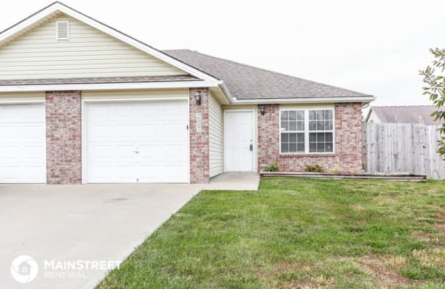 207 Golfview Drive - 207 Golfview Dr, Pleasant Hill, MO 64080