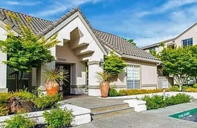 Chateau Manor - 724 Lewelling Blvd, San Leandro, CA 94579