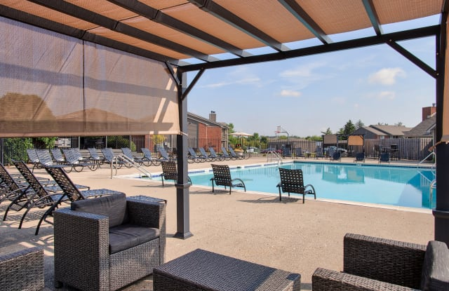 Keeneland Crest Apartments - 8401 Boggs Creek Dr, Indianapolis, IN 46237